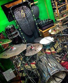 Repost from #drumdotsArtist  @aaronedgardrum - Filming something special today ;) #hihatporn #InstaGood #InstaMood #DrumLife #stacked #love  #cymbals #drum #drums #drummer #sonor #sabian #evans #vater #DrumPorn #drumlife #beat #beats #sweetspot #dark #custom #studio #live #studiolife #moderndrummer #hihatporn #drumdots #drumdotsstudio by drumdots