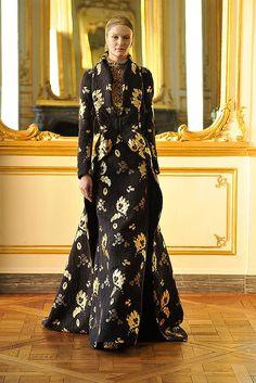 Alexander McQueen Fall 2010 Ready-to-Wear Fashion Show - Polina Kasina