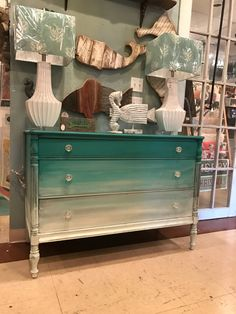 Ombre dresser with Chalk Paint® mixes of Florence, Old White, and Paris Grey Project by Annie Sloan Stockist Marcotte's Design in Largo, FL Refurbished Furniture, Repurposed Furniture, Furniture Makeover, Painted Furniture, Dresser Makeovers, Annie Sloan Chalk Paint Furniture, Chalk Paint Table, Furniture Projects, Diy Furniture