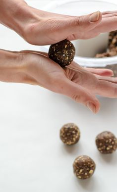 Fig Almond No Bake Energy Bites. A quick, healthy snack that's vegan and gluten free   Well Plated by Erin