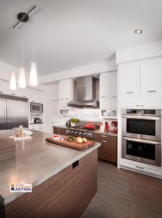 Magnifique armoire en mélamine blanche, idéale pour salle de bain ou cuisine. http://www.cuisinesaction.com