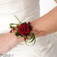 Bracelet réalisé en fleurs naturelles stabilisées. Vous pourrez ainsi garder votre bracelet pendant de longues années !