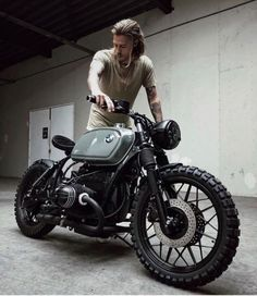 Ideas motorcycle cafe racer bmw for 2019 Bmw Cafe Racer, Style Cafe Racer, Cafe Bike, Cafe Racer Build, Cafe Racer Motorcycle, Moto Bike, Motorcycle Design, Motorcycle Style, Motorcycle Gear