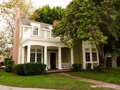 The Fields House Pretty Little Liars Warner Bros. Sets (9 of 52)