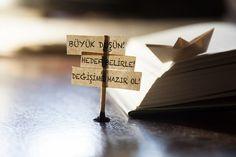 Yeni yıl yeni kararlar... Bir yanda 'Bir daha asla!' diyen kararlı cümleler, bir yanda'Yenilenmek lazım!' diyen hı