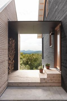 Paramount - la SHED architecture — Maxime Brouil. - - Makaron - Paramount la SHED architecture Maxime Brouil - Architecture Design Concept, Architecture Résidentielle, Contemporary Interior Design, Contemporary Architecture, Modern Barn, Modern Entry, Home Modern, Modern Cottage, House Design