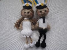 Crocheted Boy and Girl Swedish Graduate Amigurumi - FREE Crochet Pattern and Tutorial by Brittas Ami Crochet Amigurumi, Amigurumi Patterns, Amigurumi Doll, Crochet Dolls, Crochet Patterns, Crochet Clothes, Crochet For Boys, Crochet Baby, Knit Crochet