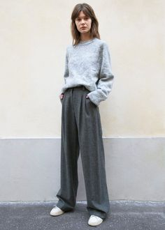 Winter Outfits, Cool Outfits, Summer Outfits, Casual Outfits, Fashion Outfits, Womens Fashion, Grey Pants Outfit, Pantalon Large, Mode Inspiration
