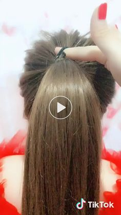 A rubber band to get the ball head # short Braids with rubber bands Hair Tutorials For Medium Hair, Medium Hair Styles, Long Hair Styles, Hair Medium, Easy Bun Hairstyles For Long Hair, Braided Hairstyles, Buns For Long Hair, Long Hair Dos, Sweet Hairstyles
