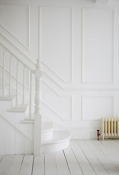 70 Design Ideas for Farmhouse Wall Panels for Living Room, Bathroom, Kitchen and . - Home inspo White Hallway, White Stairs, Stairs Painted White, American Houses, London House, Wall Molding, Staircase Design, Staircase Molding, Wainscoting Stairs