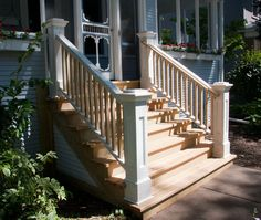 33 ideas porch stairs railing newel posts for 2019 Front Porch Railings, Front Stairs, Entry Stairs, Front Porch Design, Porch Designs, Deck Railings, Front Porches, Craftsman Bungalow Exterior, Craftsman Porch