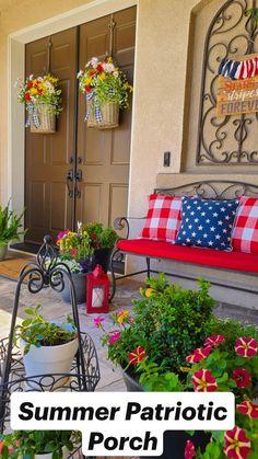 Front Door Decor, Wreaths For Front Door, Front Porch, Backyard Play, Backyard Patio, Wreath Crafts, Decor Crafts, Beach Porch, Porch Ideas