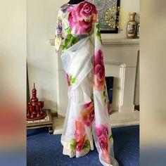 Floral Print Sarees, Saree Floral, Saree Blouse Patterns, Saree Blouse Designs, Kurta Designs, Saree Painting, Fabric Painting, Fabric Paint Shirt, Sarees For Girls