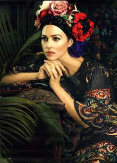✿ flowers lady ✿ Monica Bellucci in Dolce she is the heir to Sofia.........