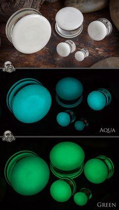 Glow in the dark plug in Aqua