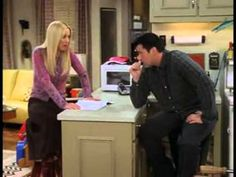 Joey tries to learn French. This has got to be one of my favorite friends moment !!