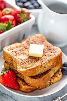ready for the Best French Toast Ever! This French Toast is easy to make, totally delicious and it's freezable too so you can enjoy French Toast even on the busiest of mornings! Gourmet Breakfast, What's For Breakfast, Breakfast Items, Breakfast Dishes, Breakfast Recipes, Breakfast Casserole, Chef Recipes, Brunch Recipes, Cooking Recipes