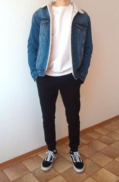 chrisspy Outfit, Soludos Outfit, elegantes Z… Old School Fashion, Mens College Fashion, Mode Streetwear, Streetwear Fashion, Mode Outfits, Fashion Outfits, Fashion Men, Style Fashion, Fashion Styles