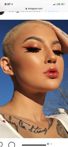 Weird Makeup, Crazy Makeup, Makeup Looks, Buzzed Hair Women, Revealing Swimsuits, Shaved Heads, Bald Girl, Ideal Beauty, Makeup Tricks