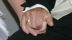 Ehe annulieren: Diese Gründe gelten vor dem Kirchenrecht Kirchen, Wedding Rings, Engagement Rings, Wedding Vows, Church Weddings, Catholic, Enagement Rings, Diamond Engagement Rings, Wedding Ring