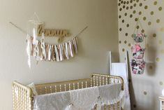 Gorgeous Gold Glitter-Dipped Feather Mobile for a Super-Chic Nursery - love the look!
