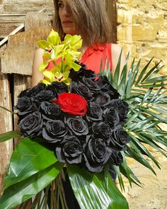 🖤 Black Ecuador Roses with a Sparcle of Red and Green 🖤 Show Your Love everyday ❤ Shape like Heart ❤ #ecuadorrose #black #blackrose #ecuador #flowershots #flowers #instaflower #instalove #heart #redrose #red #orchids #greenorchid #bouquet #instadaily #love #passionroses #decoflowers #lovetocreate #loveiseverywhere #uniquecolor #beautiful #flowerlovers #thessaloniki #floristshop #anthos_theartofflowers Red Orchids, Green Orchid, Thessaloniki, Unique Colors, Fresh Flowers, Ecuador, Flower Art, Red Roses, Bouquet