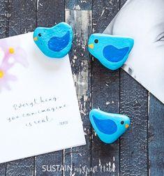 DIY Blue bird rock fridge magnet - rock painting for kids // Kék kavics madárka hűtőmágnes - kőfestés gyerekeknek // Mindy - craft tutorial collection // #crafts #DIY #craftTutorial #tutorial