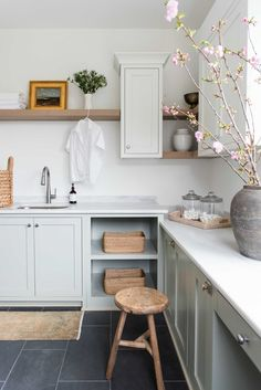 Pantry Laundry Room, Laundry Room Layouts, Laundry Room Design, Kitchen Design, Kitchen Decor, Laundry Rooms, Laundry Room Inspiration, Cottage Kitchens, Room Planning