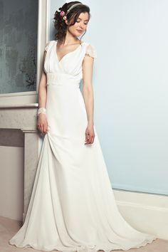 Une robe fluide pour les mariées de petite taille : Comment choisir sa robe de mariée en fonction de sa morphologie ? - Journal des Femmes