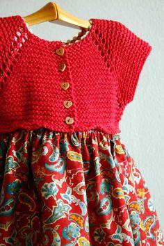 Vestido sencillo de punto y tela