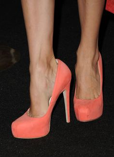 peach pumps, perfect with a navy dress