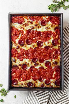 Pizza Recipes, Veggie Recipes, New Recipes, Dinner Recipes, Cooking Recipes, Healthy Recipes, Dinner Ideas, Homemade Pan Pizza Recipe, Deep Dish Pizza Recipe