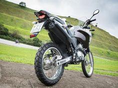 A consagrada Yamaha XTZ 250 Ténéré na versão 2016 recebeu diversas alterações que vão do design ao motor. O monocilíndrico de 250cc agora é ...
