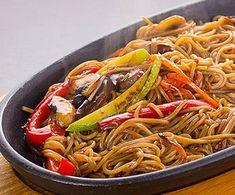 Cucina giapponese yakisoba tanto gusto con spaghetti for Cucinare yakisoba