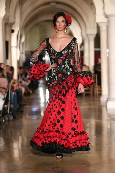 Madroñal - We Love Flamenco 2018 - Sevilla Flamenco Costume, Flamenco Skirt, Flamenco Dancers, Flamenco Dresses, Spanish Dress, Spanish Fashion, Dance Dresses, Traditional Dresses, Party Dress
