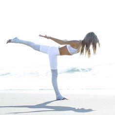 Practicing Yoga for Sleep - 3 Helpful Poses Kundalini Yoga, Pranayama, Yoga Meditation, Tantra, Yoga Inspiration, Fitness Inspiration, Goddess Bras, Yoga Detox, Warrior 3