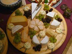Käseplatte, ein gutes Rezept aus der Kategorie Silvester. Bewertungen: 10. Durchschnitt: Ø 3,8.