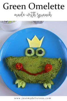 Cute frog omelette which is made with spinach. Crazy and healthy idea for kids` breakfast, snack, luncg, dinner or supper. Cute Frogs, Breakfast For Kids, Quality Time, Food Styling, Food Art, Spinach, Food Photography, Food And Drink, Lunch