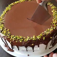 Erişim Engelimin Kalkması İçin Nokta dahi olsa yorum yaparak destek olursanız (güzel tariflerim hatırına) çoook mutlu olurum canlar🙏… Yummy Cakes, Chocolate Cake, Delicious Desserts, Food And Drink, Cooking Recipes, Birthday Cake, Instagram, Dessert, Cake