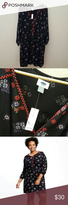 Embroidered 3/4-Sleeve Floral Plus-Size Dress Plus Size 3x, beautiful floral pattern. 100% rayon, with polyester lining Old Navy Dresses