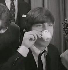 JOHN LENNON  DRINKING #COFFEEhttp://coffeeandny.blogspot.com/2017/01/celebrities-drinking-coffee.html   #JohnLennon  #BEATLES