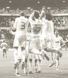 http://realmadridwallpaper.info real madrid