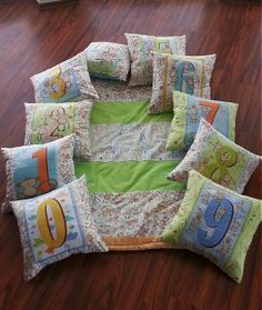 Novinka! Edukačná sada = Zateplená flísová deka + 10 vankúšov by HEDERVIGA - SAShE.sk - Handmade Textil