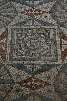 Roman Mosaic (2) at #Bodrum, Turkey - almost a Celtic feel to the interwoven knot...