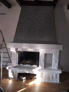 chemin e en granit un peu vieillotte salons and foyers. Black Bedroom Furniture Sets. Home Design Ideas