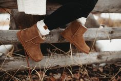 So easy to pull on and off, it almost feels like you are wearing slippers! 🐻🐾 Shop the Alyssa boot: www.bearpaw.com #LiveLifeComfortably #BearpawStyle