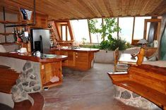 Inspiration and Crafts: Earthship Earthship Plans, Earthship Home, Green Building, Building A House, Carport Plans, New Mexico Homes, Living Roofs, Home