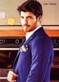 Turkish Men, Turkish Actors, Handsome Faces, Mens Fashion Suits, Perfect Man, Full Moon, Beauty Women, How To Look Better, Canning