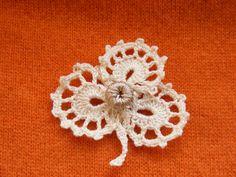 Ирландское кружево ажурный листик. Irish lace openwork leaf http://youtu.be/JvDr3_I6hRQ