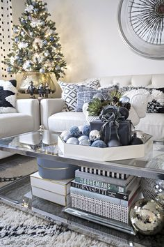 Blue, black and white eclectic Christmas living room / Cuckoo 4 Design